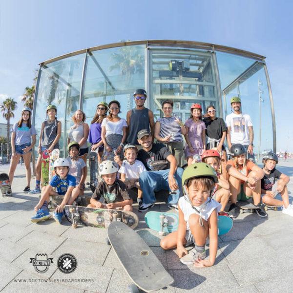clases-de-skate-gratis-en-barcelona-doctown-escuela-de-skate-boardriders-barceloneta-dc-shoes